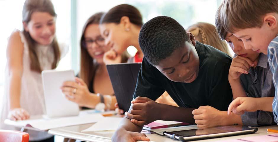 Melhorar a segurança nas escolas através da convergência da segurança digital e física